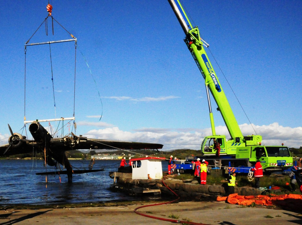 Nordic Crane lifted the aircraft on land for us without charge for job