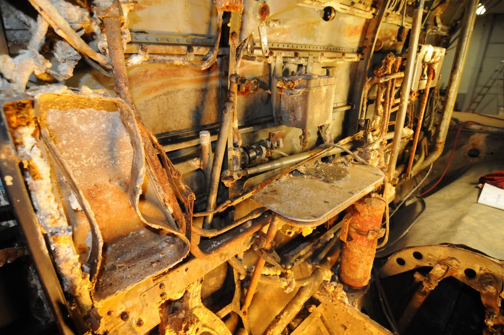 Litt av utstyret som er plassert på styrbord side mellom spantene 1- 4.