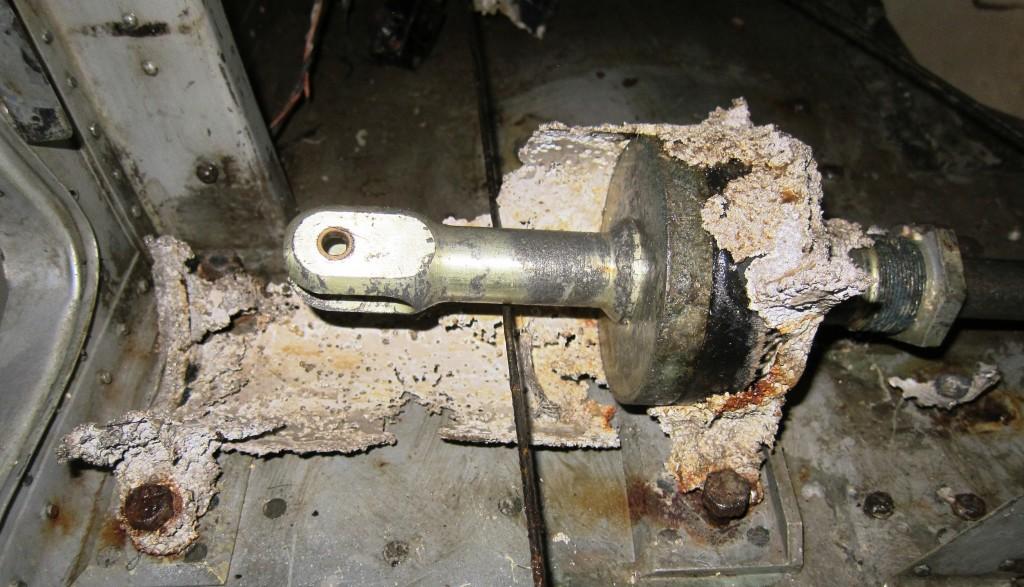 Hydraulisk sylinder for operering av flap. Dette er en del som vi vil få hjelp til å få tegnet i CAD    <div title=