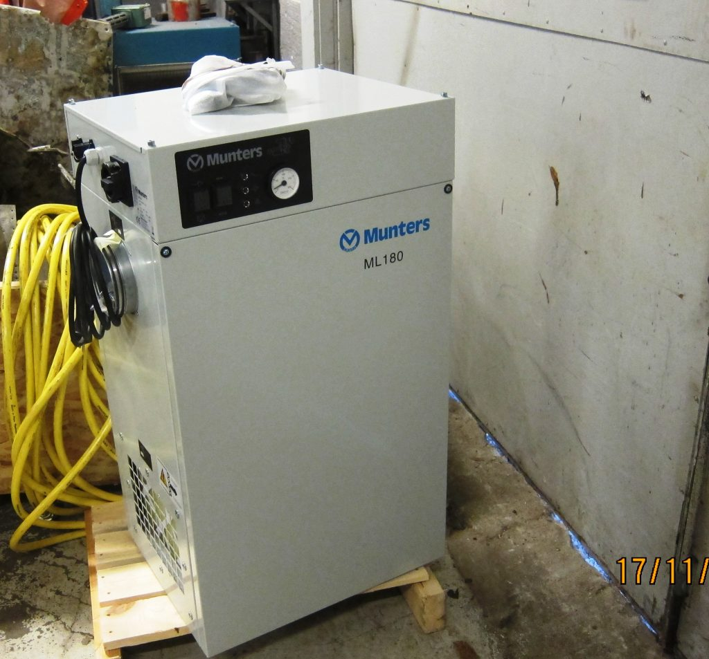 Munters ML 180 dehumidifier while still standing in the workshop.